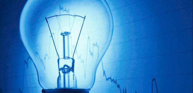 Έκθεση της Κομισιόν: Το Κόστος Παραγωγής Ρεύματος από Ορυκτά Καύσιμα θα Αυξάνει και από ΑΠΕ θα μειώνεται